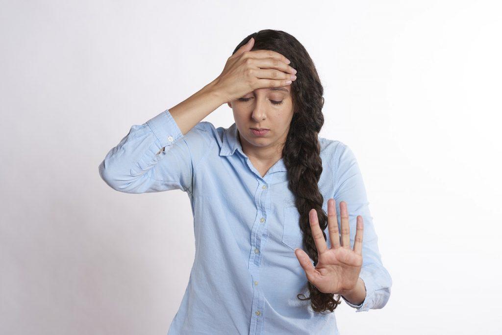 ตื่นนอนแล้วปวดหัว เป็นเพราะอะไร ?