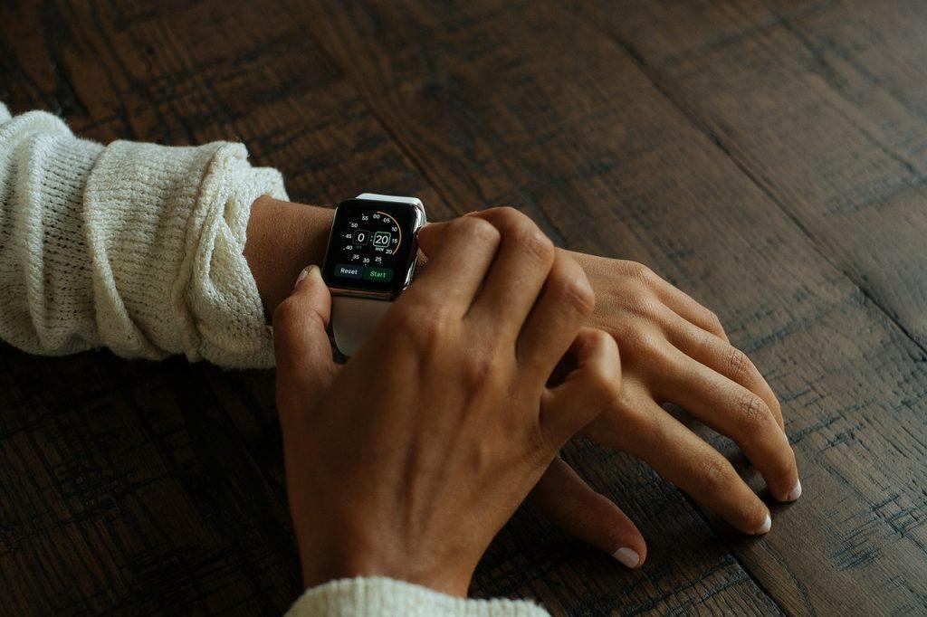 5 App smartwatch ที่ช่วยให้คุณเข้าใจสุขภาพการนอนหลับมากขึ้น