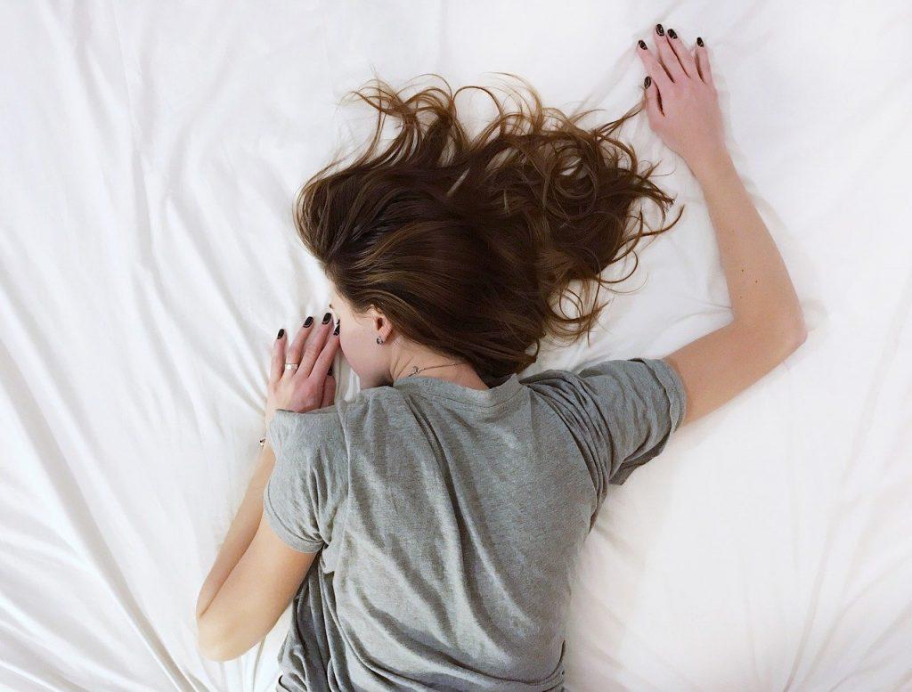 อาการนอนไม่หลับ เกิดจากอะไรได้บ้าง ?