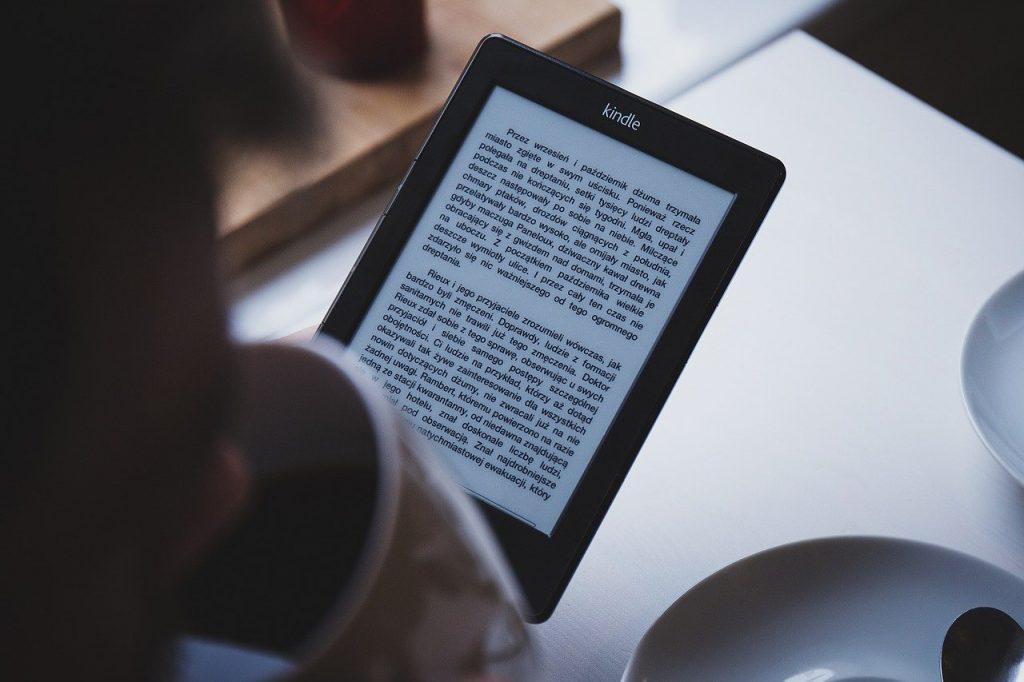 อ่านหนังสือก่อนนอน 2020 ช่วยให้นอนหลับง่ายขึ้นไหม